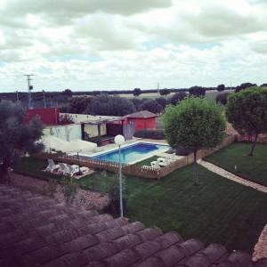 piscina con valla 2